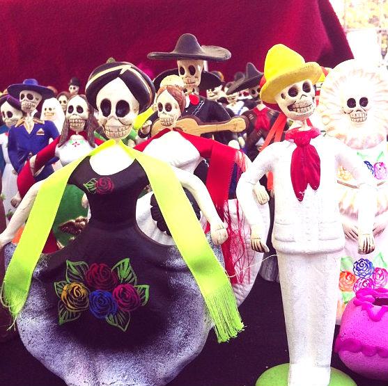 El día de Muertos es una celebración tradicional mexicana que está llenar de color y sabor
