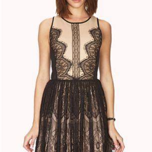 Un vestido de Forever 21 que se vende por 27.80 dólares