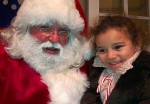 Anna con Santa en la estación de trenes de Madison (NJ)