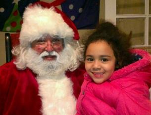 Emma y Santa en la estación de trenes de Madison (NJ)